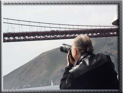 Avatar Adi Da Samraj photographing the Golden Gate Bridge